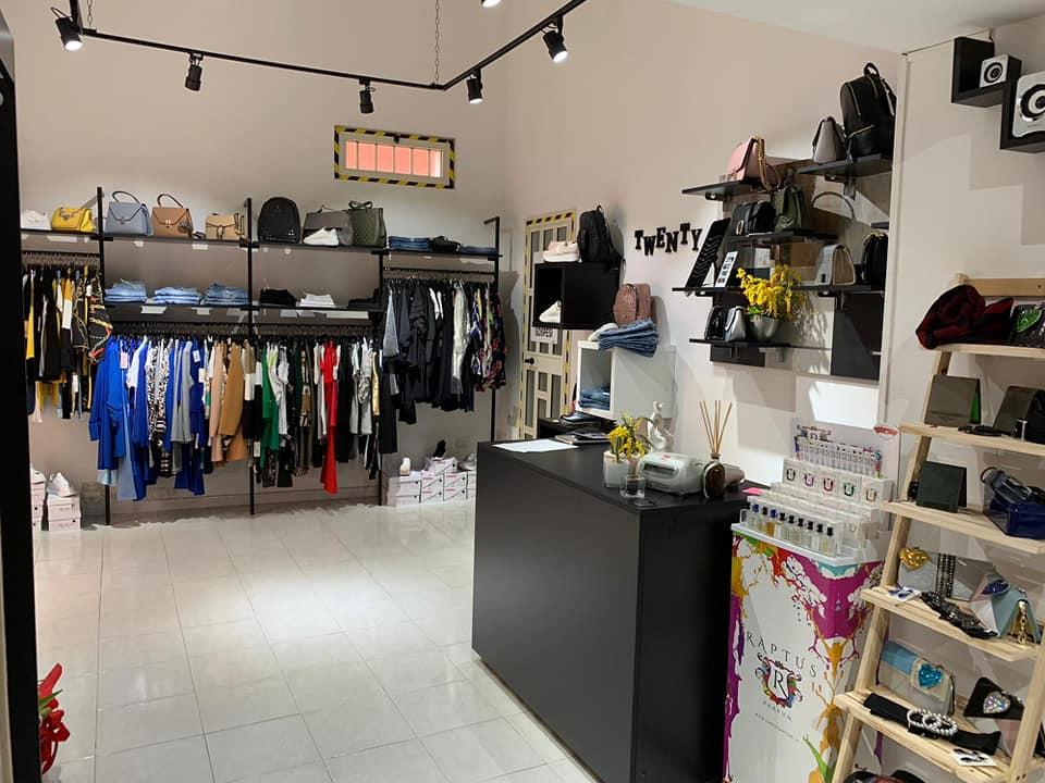 Esposizione negozio abbigliamento