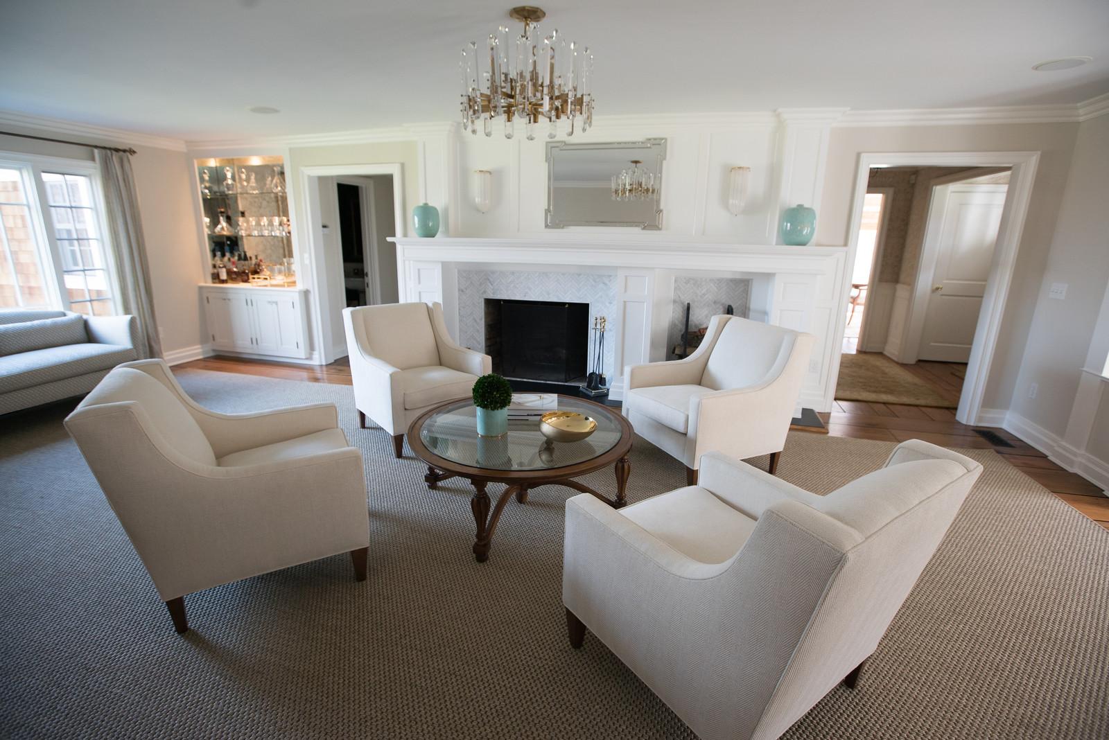 Formal Transitional Living Room