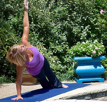 yoga lisa SM.jpg