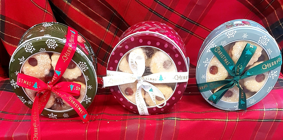 Round Christmas Biscuit Tin