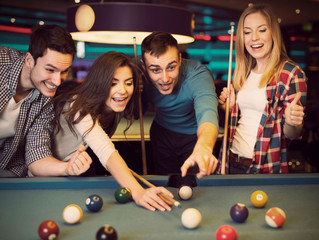 A Few Great Reasons to Add Coin-Operated Pool Tables in Your Establishment