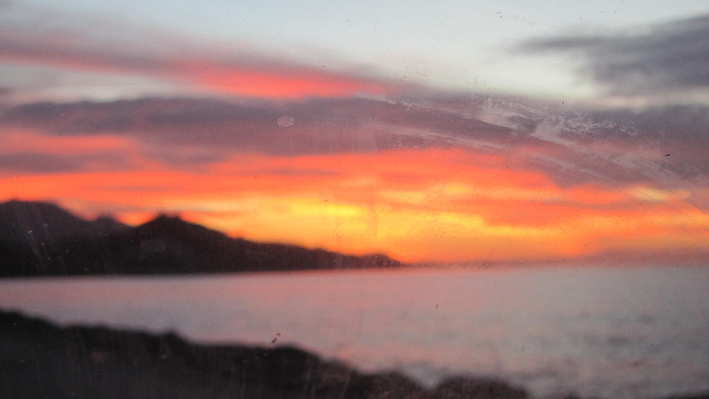 Petra Sunset  out of focus through the windshield  photo: Andrea Sarris