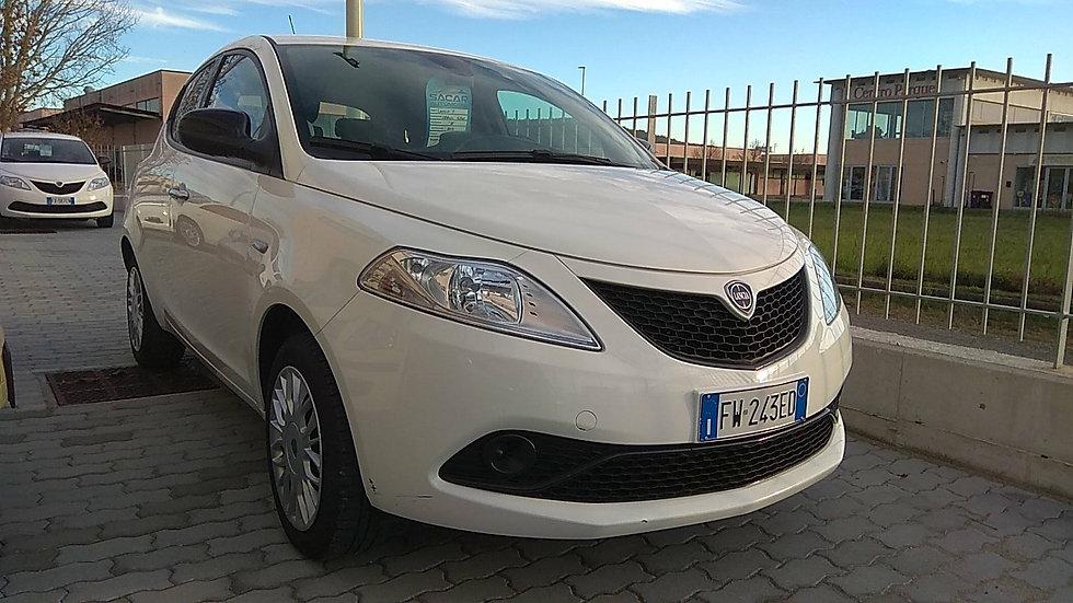 Lancia Y 1.2 69Cv