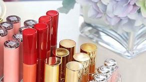 O acrílico e o mundo dos cosméticos