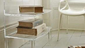 O acrílico e o mobiliário