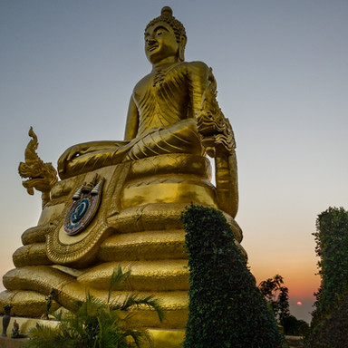 Buddha ja auringonlasku