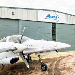 Aeros Logo and DA42 Aeroplane