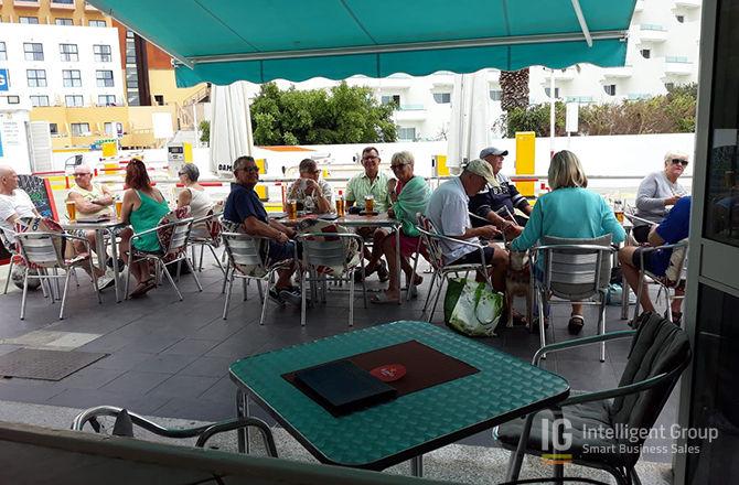 Cafe Bar in Puerto Colon