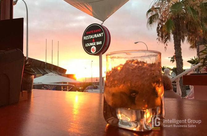 Cocktail Bar/Restaurant in Puerto Colon