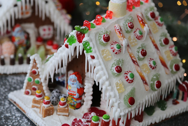 Gingerbread houses - Tanunda Bakery.JPG
