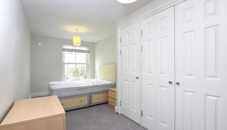 The Courtyard Flat Bedroom