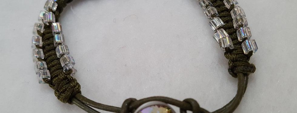 "Double strand ""zipper"" bracelet on leather strand (Green)"
