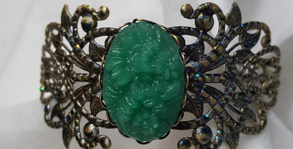 Oval shaped vintage Japanese glass cabochon bead bracelet