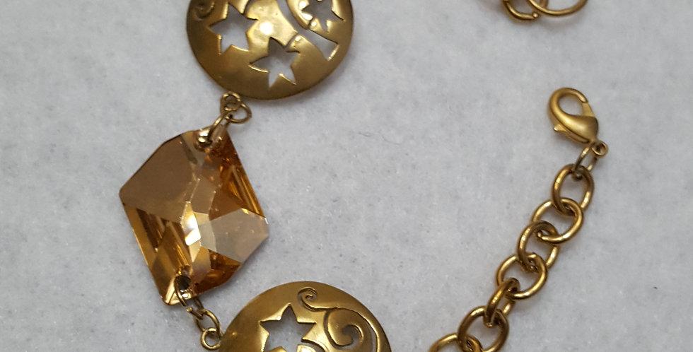 Funky brass flower link bracelet