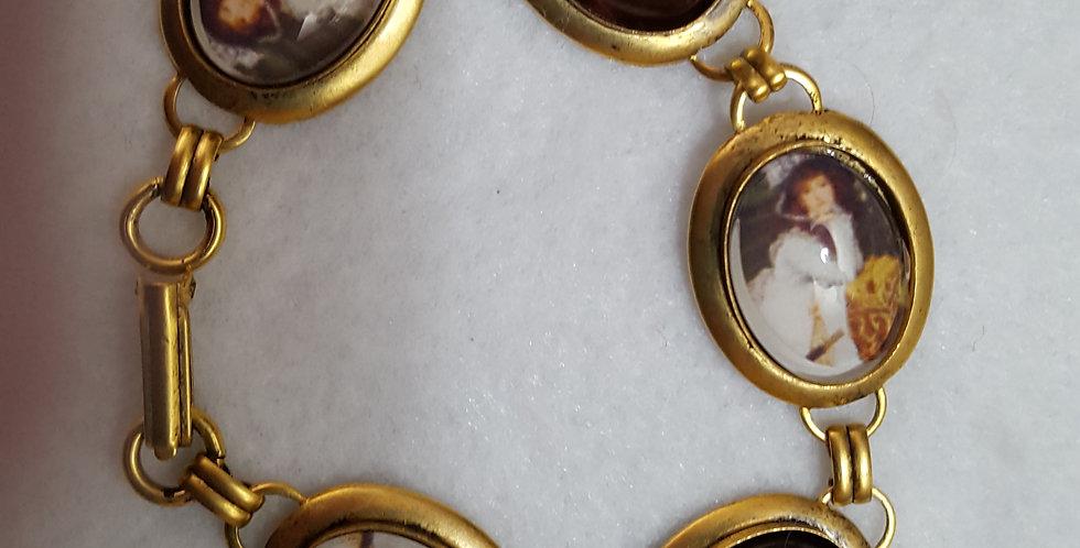 Oval antique gold bracelet