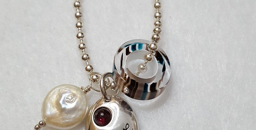 'Love & Pearls' Neckace