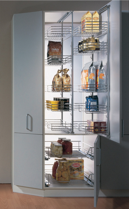 Pantry Pull-Out 2