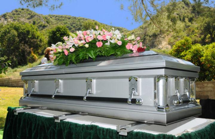 depositphotos_3919128-stock-photo-casket