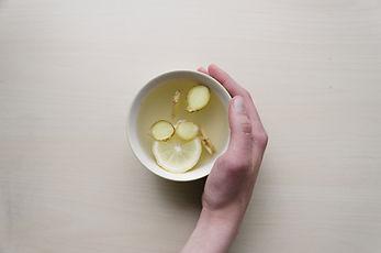 Zencefil, limon ve bal Çay