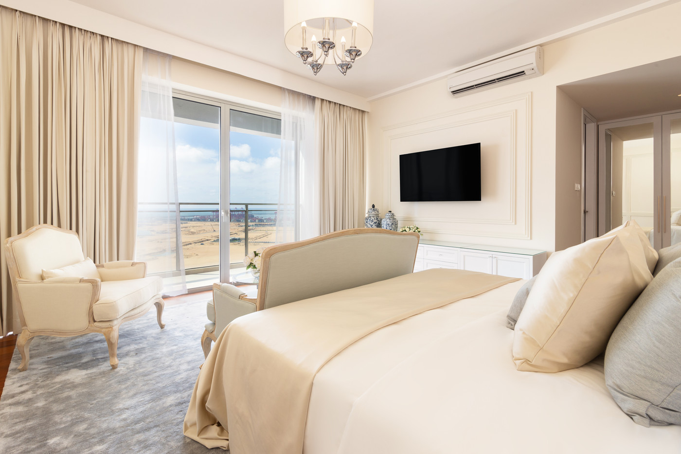 Bedroom by Creative Heritage Interiors