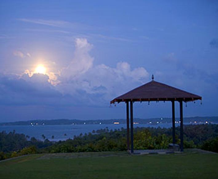 Stunning sunset Mirissa Hills Happily Ever After destination wedding