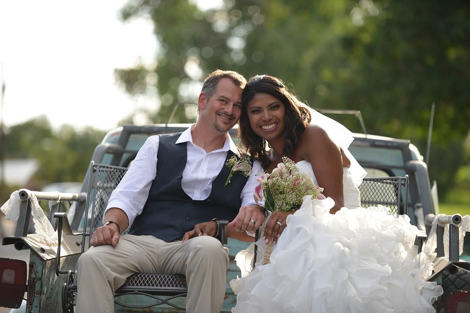 Destination wedding couple in Sri Lanka