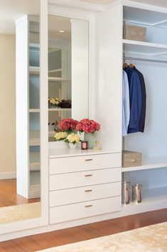 Walk in wardrobe by Creative Heritage Interiors