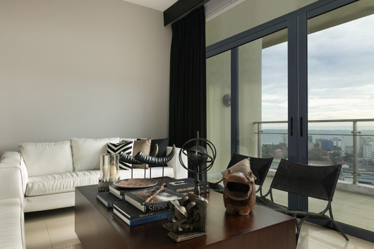 Living Room by Creative Heritage Interiors at Havelock City Colombo Sri Lanka