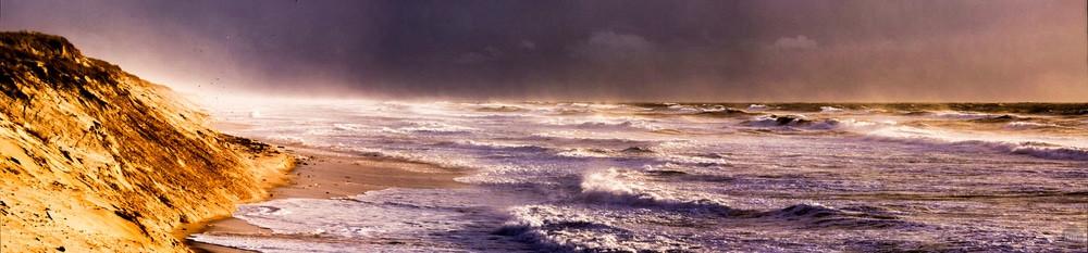 Tempête sur l'océan érosion de la dune