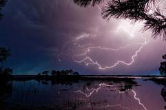 Reflet de foudre, lac d'Houritin