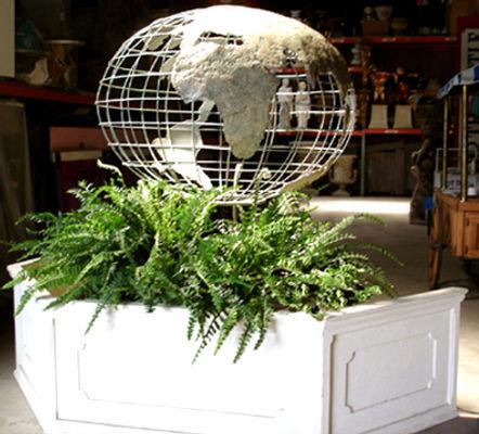 Int'l Metal Globe.jpg