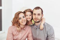Семейная фотосессия в студии