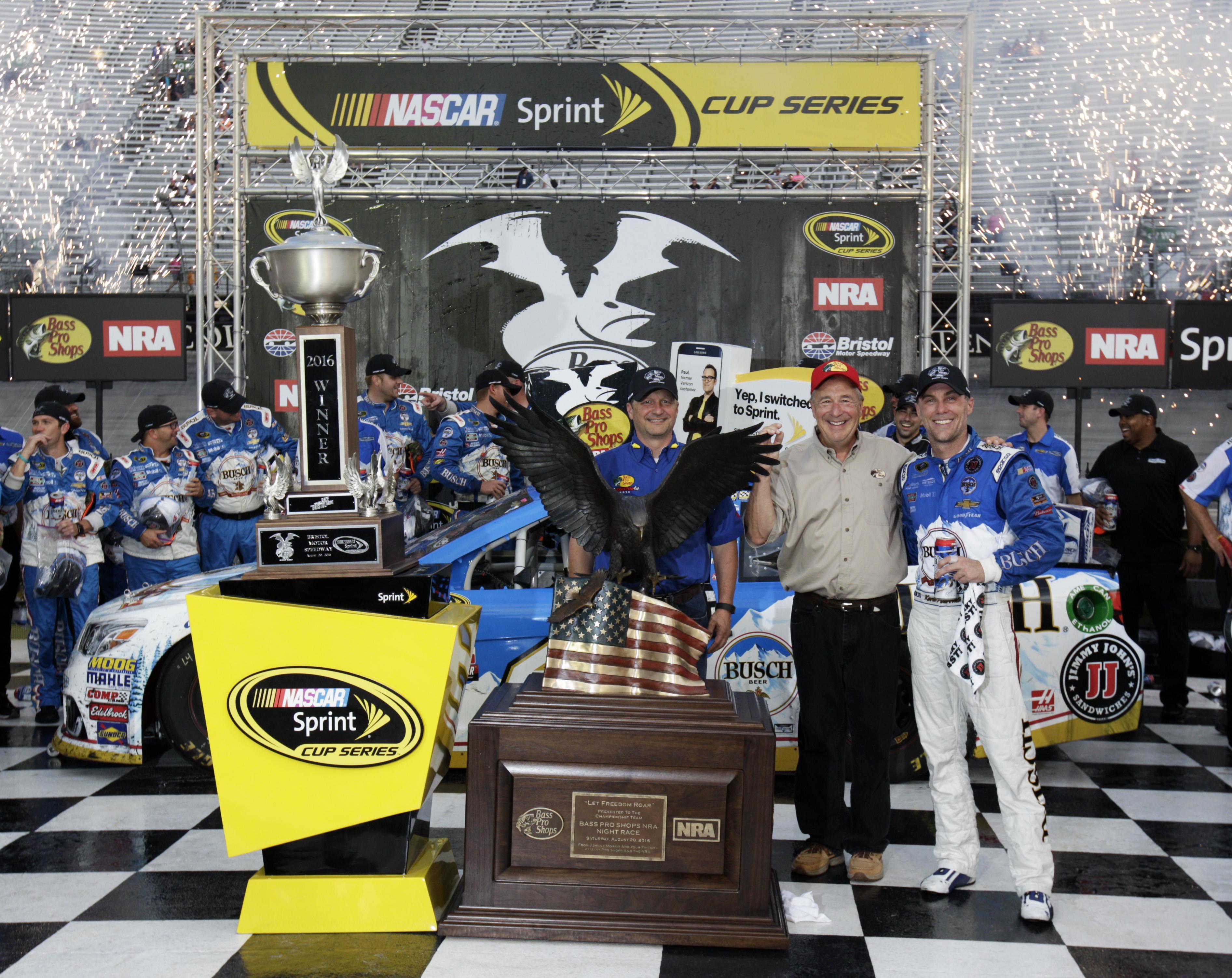 NASCAR_Bristol_Auto_Racing.JPG