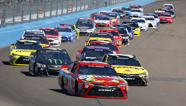 NASCAR-Phoenix-Auto-Racing12
