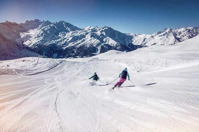 2016_Hiver_Ski-et-Snowboard_c-Valais-Wallis-Promotion-David-Carlier-13_Sur-les-pistes-de-V