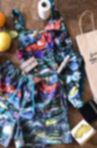 Bañador y bermuda estampado plastic.JPG