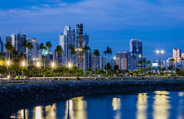 Skyline of Panama City at blue hour.jpg