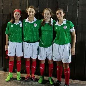 Tres jugadoras del Bizkerre con Euskadi cadete femenino en el Autonómico