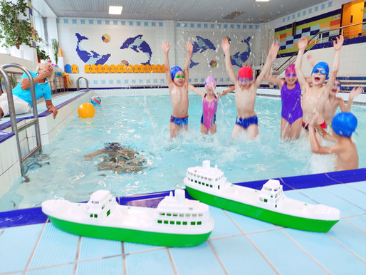 В малом бассейне освободились группы  для детей 4-7 лет.