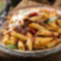 Penne-con-sugo-di-salsiccia-e-funghi.jpg