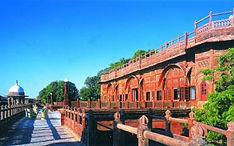 WelcomHeritage Bal Samand Lake Palace.jp