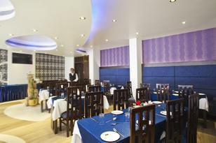 hotel-taj-resorts-agra-restaurant2-28618
