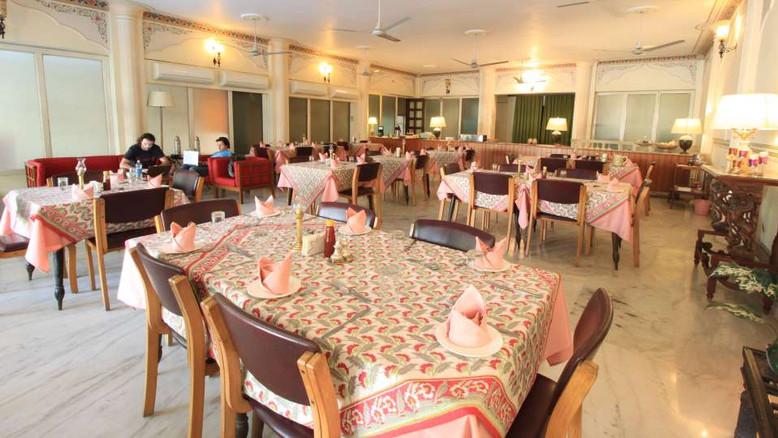 Dining_Facade_Hotel_Meghniwas_Jaipur_Hot