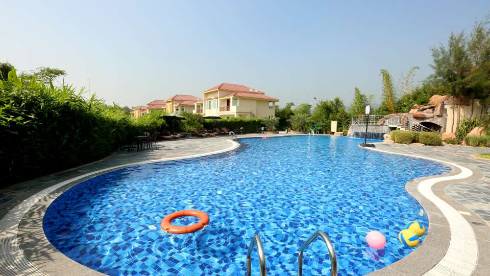 Pool_Resort_de_Coracao_Corbett_1_qzwn9l.
