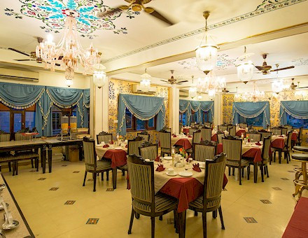 restaurant-home.jpg