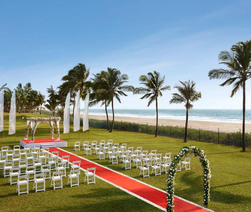 Beach Facing Lawn,11000 sqft, 2000pax, W