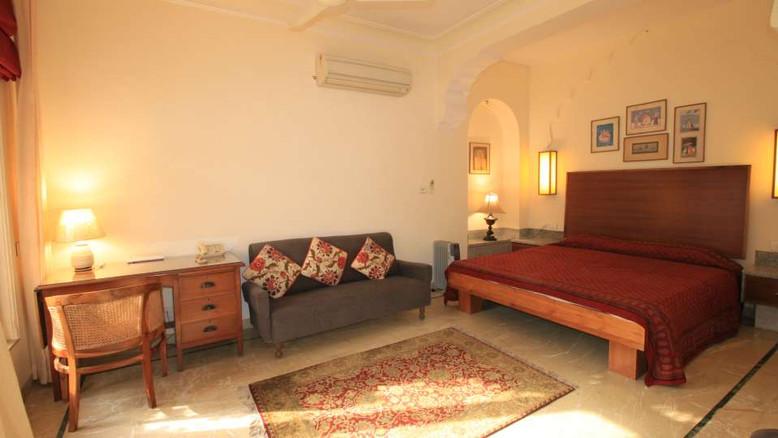 Garden_Suite_Hotel_Meghniwas_Jaipur_1_tq
