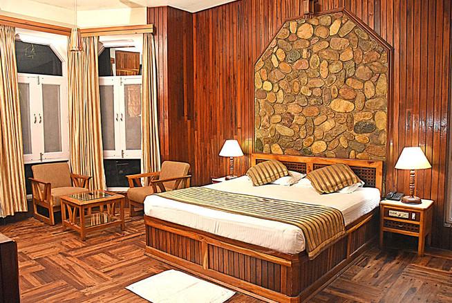 room-img2.jpg