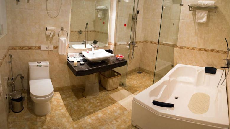 bathroom_he5ezl.jpeg