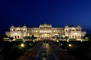laxmi vilas palace.jpg